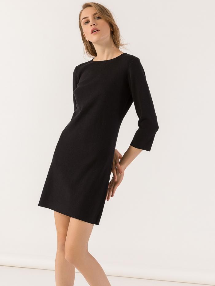 Mini πλεκτό φόρεμα σε ίσια γραμμή